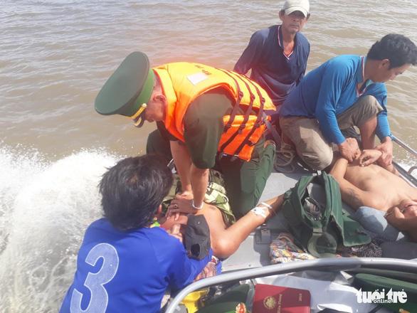 Ngộ độc khí trên tàu cá, 4 người tử vong, 1 người nguy kịch - Ảnh 2.