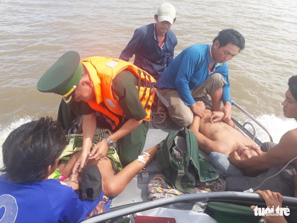 Ngộ độc khí trên tàu cá, 4 người tử vong, 1 người nguy kịch - Ảnh 1.