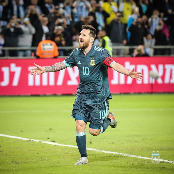 Messi sút phạt đền thành công giúp Argentina cầm hòa Uruguay - Ảnh 2.