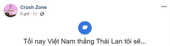 Dân mạng chế ảnh Văn Lâm, Văn Hậu cản bóng xuất thần - Ảnh 12.