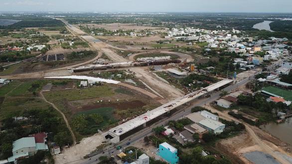 Chủ đầu tư thiếu nợ, cao tốc Bến Lức - Long Thành có nguy cơ dừng thi công  - Ảnh 1.