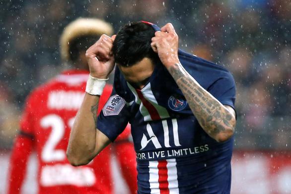 Phung phí cơ hội, PSG thua ngược đội chót bảng Dijon - Ảnh 1.