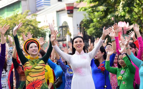 TP.HCM lấy ý kiến công chúng về 13 sự kiện văn hóa - Ảnh 1.