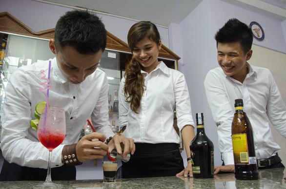 Trải nghiệm các khóa học ngắn hạn giúp nâng cao tay nghề, nâng lương - Ảnh 1.