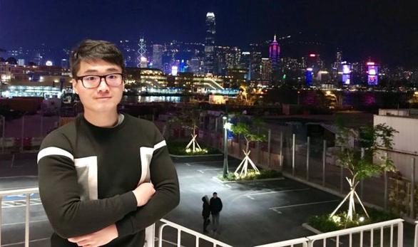 Cựu nhân viên Lãnh sự quán Anh tại Hong Kong tố bị Trung Quốc tra tấn, ép cung - Ảnh 1.