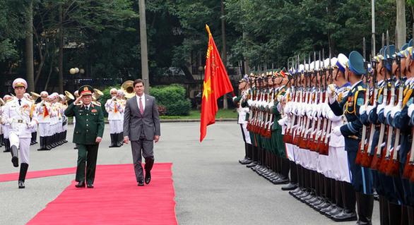 Bộ trưởng Quốc phòng Việt Nam hội đàm với Bộ trưởng Quốc phòng Mỹ - Ảnh 1.