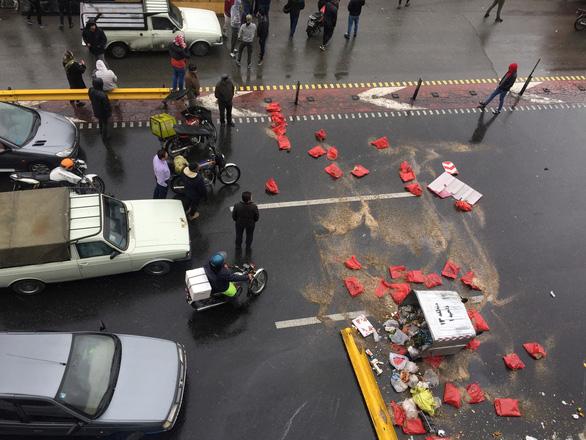 Iran ngắt mạng, không xác định được số người biểu tình thiệt mạng - Ảnh 2.