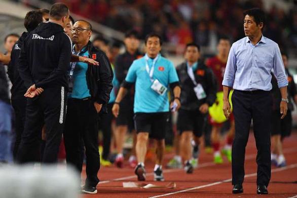 Trợ lý HLV tuyển Thái Lan 'quanh co', xin lỗi tất cả, trừ… ông Park - Ảnh 1.
