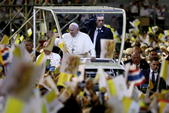Giáo hoàng nói về nạn mại dâm khi hành lễ ở Thái Lan - Ảnh 2.