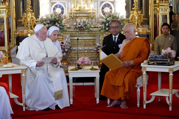 Giáo hoàng nói về nạn mại dâm khi hành lễ ở Thái Lan - Ảnh 4.