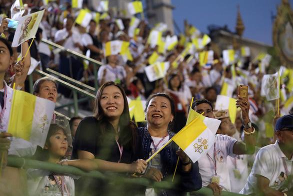 Giáo hoàng nói về nạn mại dâm khi hành lễ ở Thái Lan - Ảnh 6.