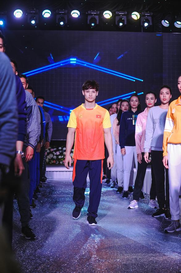 Fashion Show công bố trang phục tham dự chính thức tại SEA Games 30 - Ảnh 1.