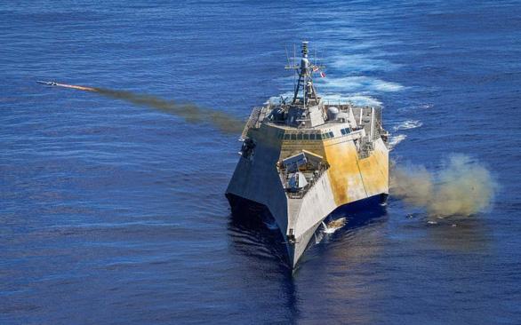 Đưa tàu tác chiến ven bờ đến Biển Đông, Mỹ gửi thông điệp gì? - Ảnh 1.