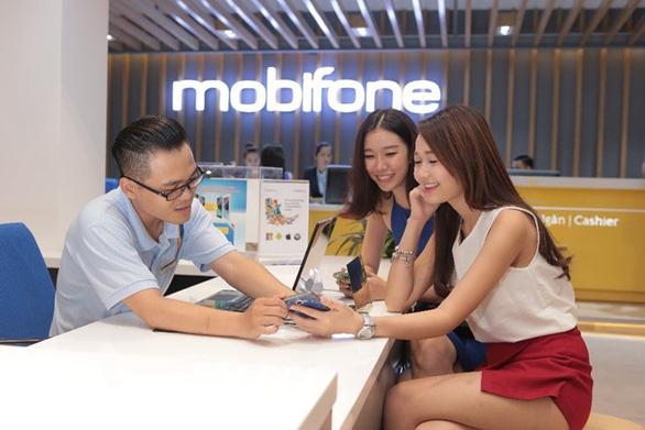 MobiFone đãi khách hàng nhân dịp cuối năm - Ảnh 2.