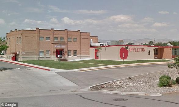 Hơn 40 trường học ở Mỹ đóng cửa dài ngày vì xuất hiện bệnh lạ - Ảnh 1.