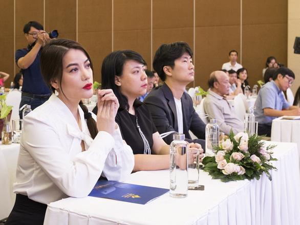 Trương Ngọc Ánh làm giám khảo Liên hoan phim Việt Nam 21 - Ảnh 5.