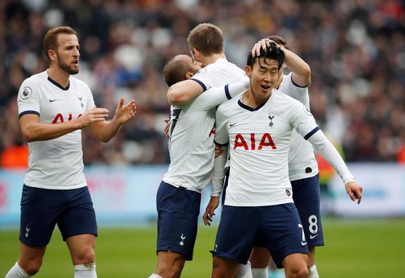 Tottenham thắng vất vả West Ham trong ngày ra mắt của HLV Mourinho - Ảnh 1.