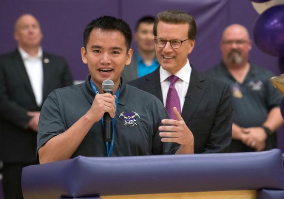 Thầy giáo người Mỹ gốc Việt được trao Oscar giáo dục: Tôi chỉ muốn được gọi là thầy giáo! - Ảnh 1.