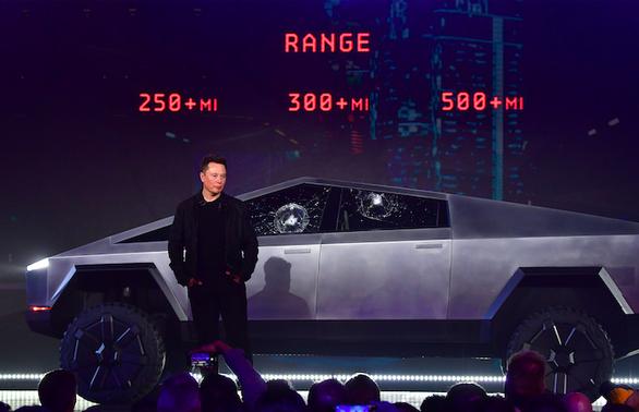 Elon Musk quê độ vì màn thử kính chống đạn, tài sản bốc hơi 770 triệu USD - Ảnh 2.