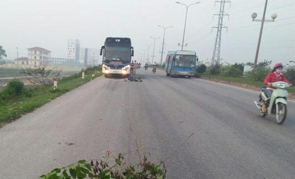 Hai bố con đi bộ sáng, bị xe khách tông chết ở đường tránh TP Thanh Hóa - Ảnh 1.