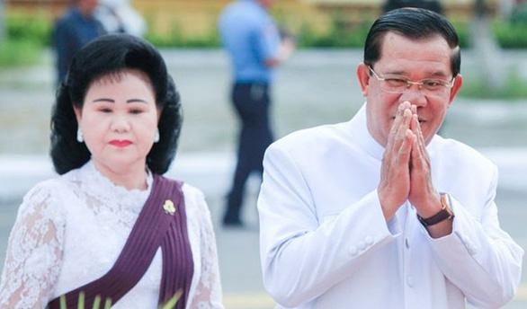 Ông Hun Sen hủy dự thượng đỉnh Hàn Quốc - ASEAN để chăm sóc mẹ vợ bệnh nặng - Ảnh 1.