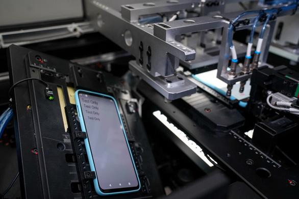 Điện thoại 5G đầu tiên ở Việt Nam sẽ sản xuất tại Hòa Lạc - Ảnh 1.
