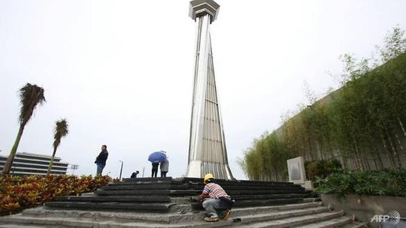 22 tỉ xây tháp đuốc SEA Games, chính trị gia Philippines tức giận: 50 phòng học đổi một cái chậu - Ảnh 1.