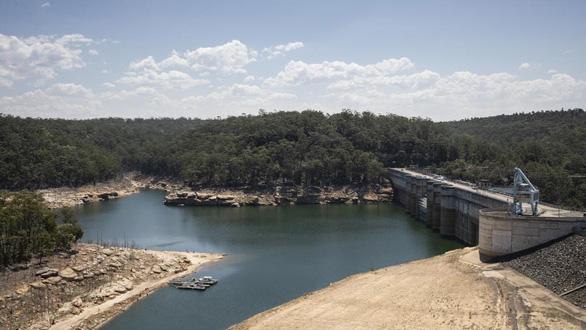 Australia: Sydney có nguy cơ thiếu nước nghiêm trọng nhất một thập kỷ - Ảnh 1.