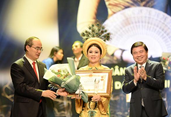 TP.HCM vinh danh và thưởng thêm cho 75 nghệ sĩ, nghệ nhân - Ảnh 5.