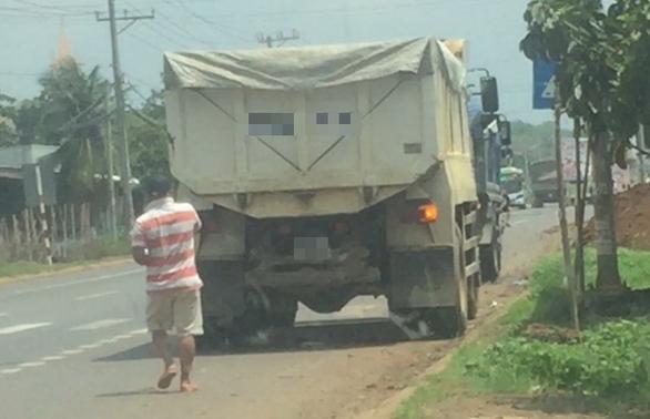 Thêm một số CSGT cho biết chuyện xe tải, xe khách mua đường có thật - Ảnh 1.