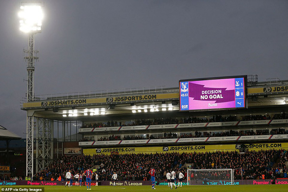 VAR và Firmino giúp Liverpool vượt ải Crystal Palace - Ảnh 1.
