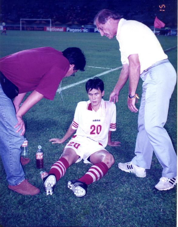 30 năm biên niên sử SEA Games - Kỳ 3: SEA Games 1995 - định danh bóng đá Việt - Ảnh 3.