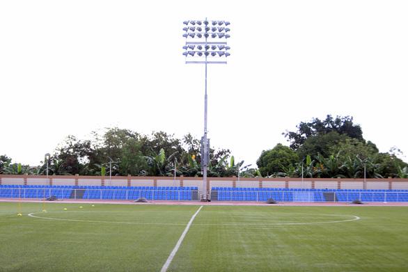 Ngắm sân Binan chỉ có 3.300 chỗ ngồi mà U22 Việt Nam sẽ thi đấu - Ảnh 9.