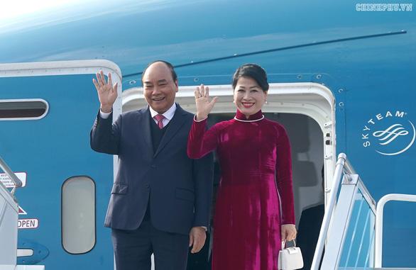 Thủ tướng tới Busan dự thượng đỉnh đặc biệt Hàn Quốc - ASEAN - Ảnh 1.