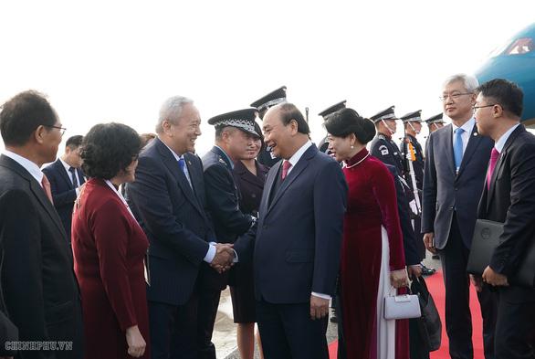 Thủ tướng tới Busan dự thượng đỉnh đặc biệt Hàn Quốc - ASEAN - Ảnh 3.