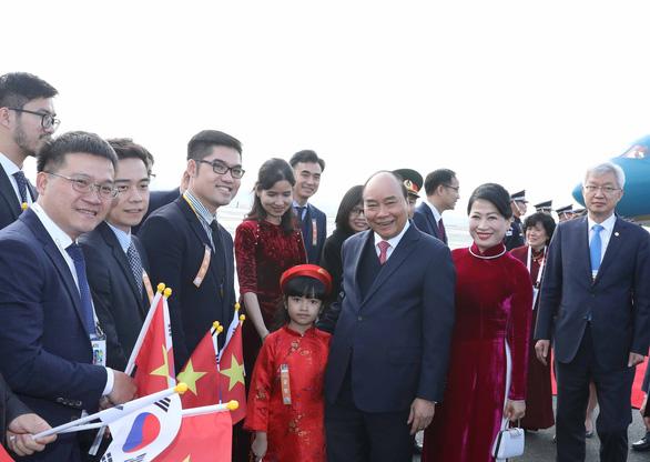 Thủ tướng Nguyễn Xuân Phúc dự lễ động thổ xây dựng thành phố thông minh của Hàn Quốc - Ảnh 4.