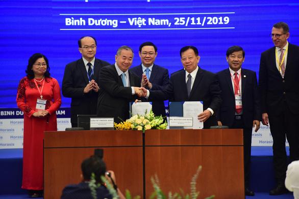 Bình Dương hợp tác Singapore phát triển không gian khởi nghiệp - Ảnh 2.