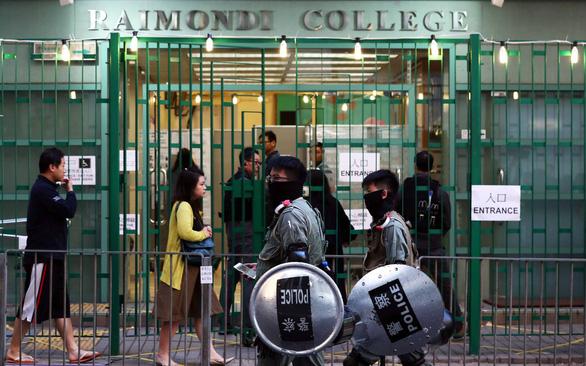 Bầu cử hội đồng quận ở Hong Kong: Khi số đông im lặng lên tiếng - Ảnh 1.