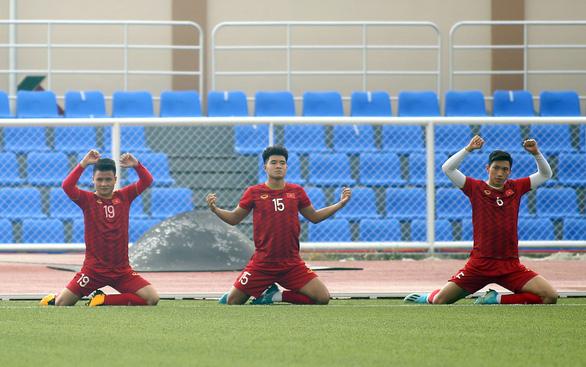 Quang Hải, Văn Hậu dự bị trận đấu với U22 Brunei - Ảnh 1.