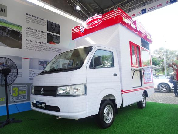 Mô hình kinh doanh độc đáo trên Suzuki Super Carry Pro - Ảnh 2.