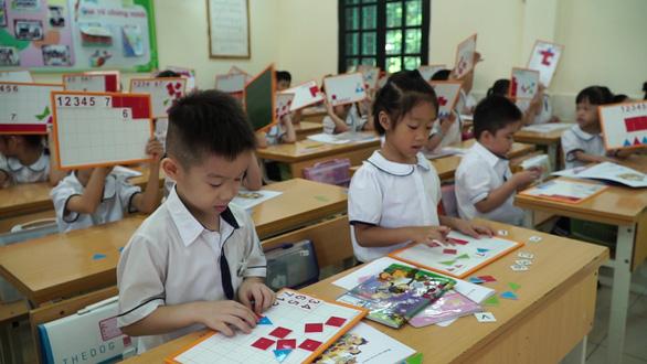 Sẽ giao quyền cho các trường chọn sách giáo khoa lớp 1 - Ảnh 1.