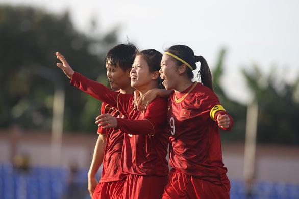 Tuyển nữ Việt Nam và Thái Lan bất phân thắng bại - Ảnh 1.