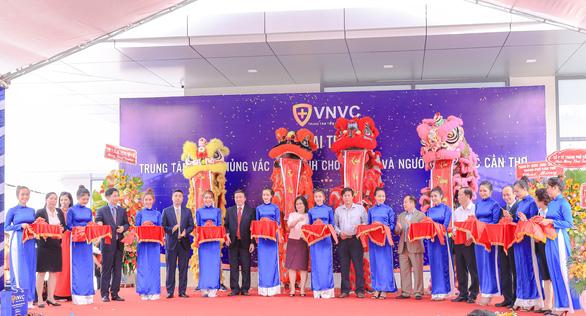Khai trương trung tâm tiêm chủng 5 sao tại Tây Nam Bộ - Ảnh 1.
