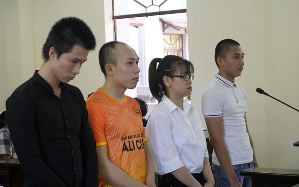 Tòa đang xét xử 4 nhân viên địa ốc Alibaba - Ảnh 1.