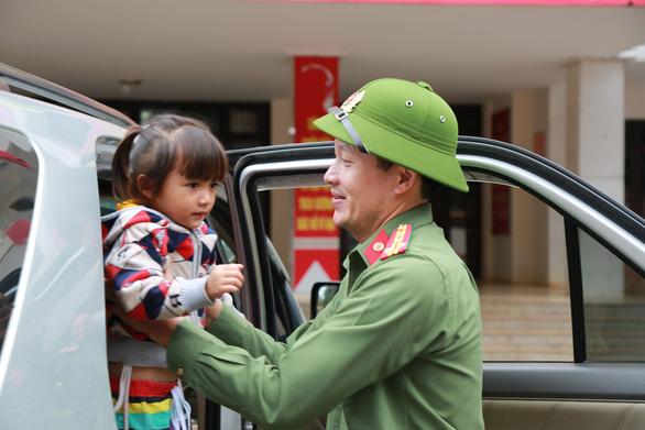 Đại tá Vũ Hồng Văn làm giám đốc Công an tỉnh Đồng Nai - Ảnh 4.