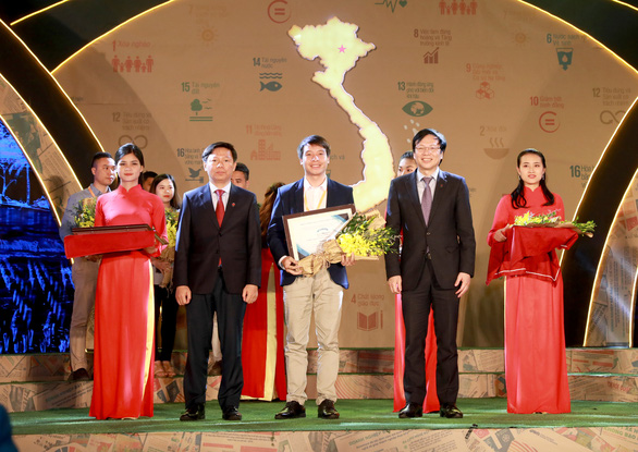 Báo Tuổi Trẻ đạt giải nhất giải báo chí viết về doanh nghiệp phát triển bền vững - Ảnh 2.