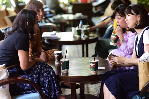 60% nguoi Sai Gon ra duong la uong ca phe
