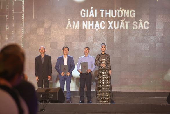 Song Lang đoạt Bông sen vàng, Trấn Thành đoạt giải Diễn viên chính xuất sắc - Ảnh 8.