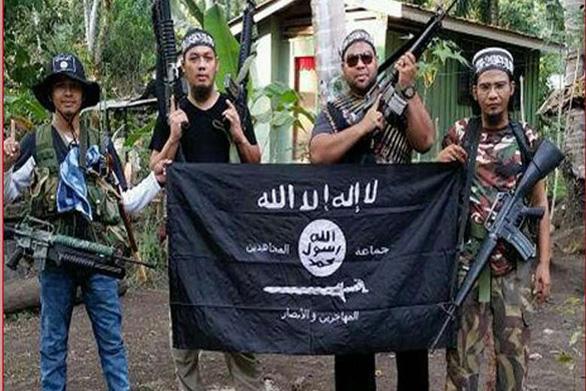 Malaysia tin khủng bố IS tràn sang Đông Nam Á sau khi thủ lĩnh bị hạ - Ảnh 1.