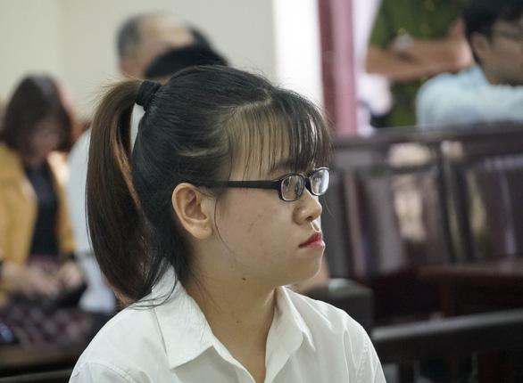 Tòa đang xét xử 4 nhân viên địa ốc Alibaba - Ảnh 3.